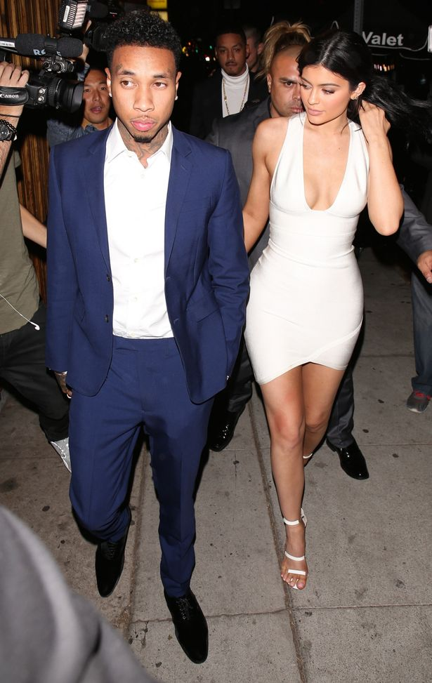 Kylie-Jenner-is-back-with-her-boyfriend-Tyga-after-a-short-break-up-during-his-birthday (1)