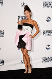 ariana-grande-amas-best-dressed-american-music-awards-2.jpgwer