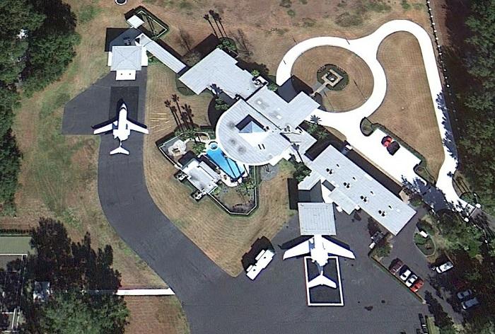 john travoltas house